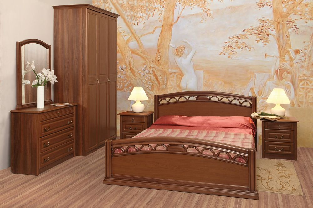 Обновить спальный гарнитур своими руками